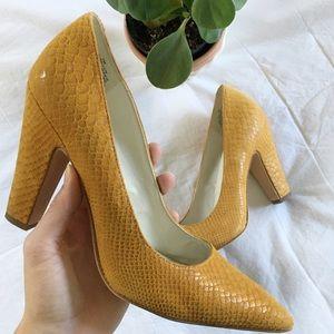 ANNE KLEIN // snakeskin blocked heel
